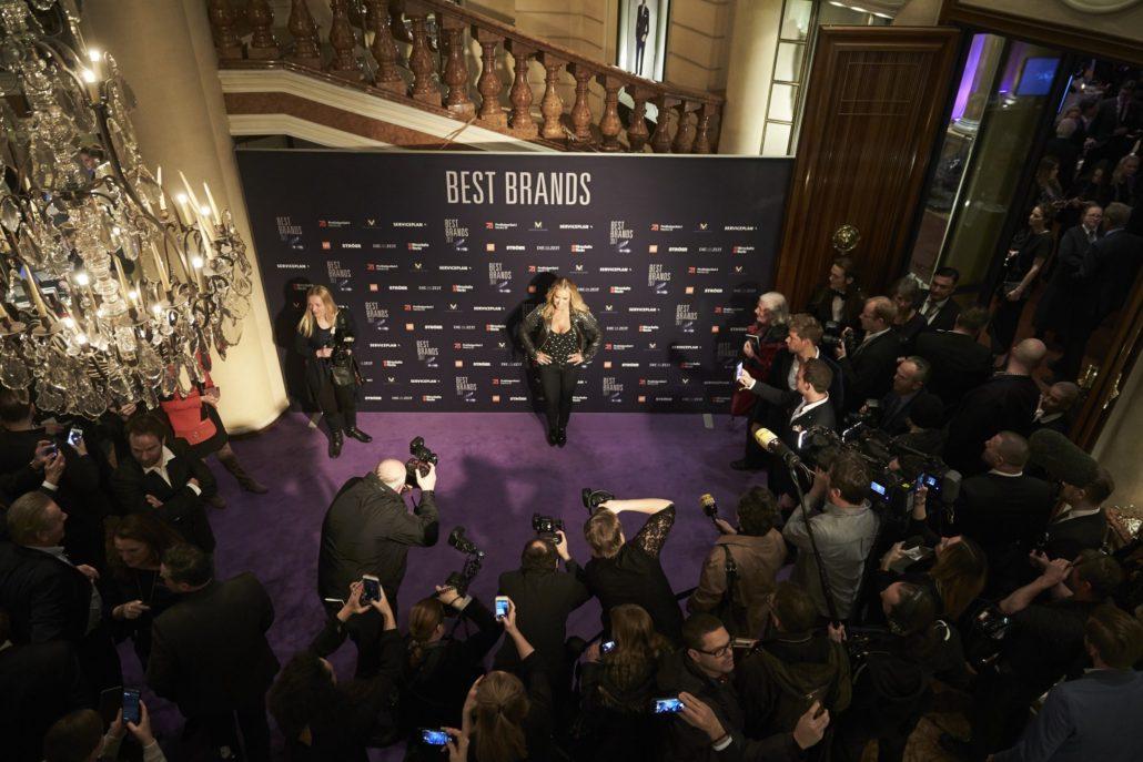 Anastacia sings at Best Brands 2017